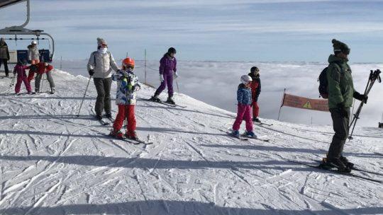 Quelle station choisir pour faire du skiaux alentours d'Annecy?